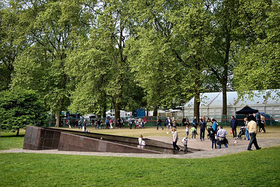 Evening before the Royal Wedding – the Canadian Memorial in Green Park.