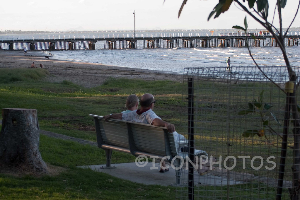 20100328-IMG_9923 Shorncliffe with Pier in background