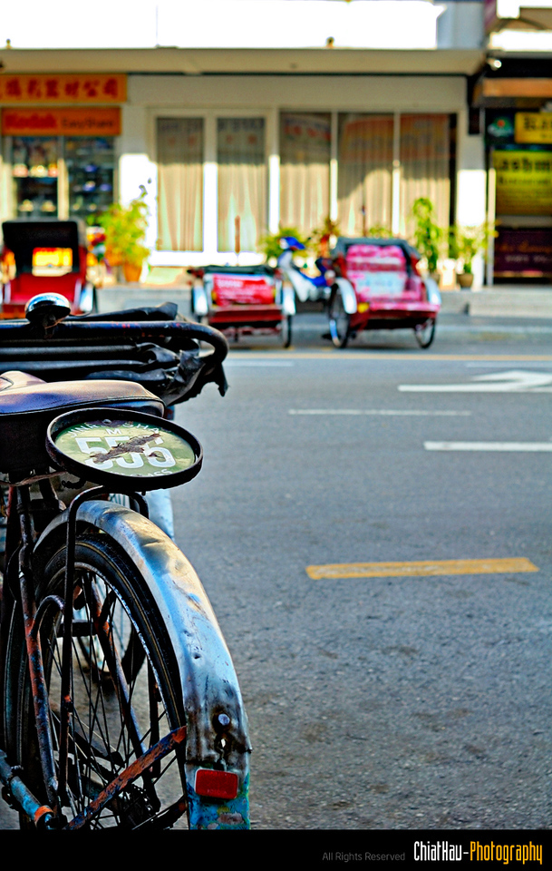 You will notice a lot of tri cycle at Penang Street... There are tones of them there.