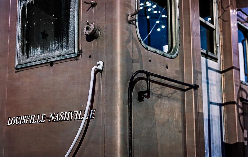 Louisville-Nashville train