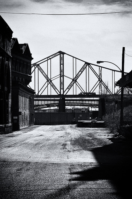 Martin Luther King Bridge seen from Near North Riverfront, St Louis
