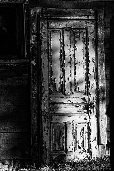 This door is unlocked. Would you get in? Or are you repulse by its appearance? You may find a treasure inside! Have a great day - JY