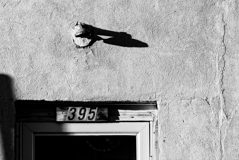 395 - Textures and shadow, this is the main subject today. Well, you could also wonder what's behind this door. Have a great day JY