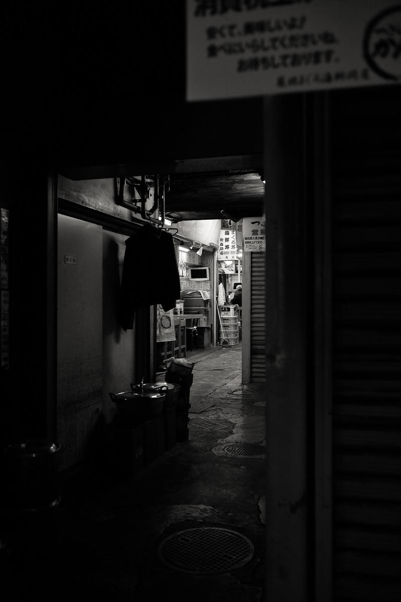 [Scn] Streets, Architects [Loc] Tokyo [Fmt] Digital [Col] B&W [Bdy] Leica M Typ240 [Lns] Leitz Summaron 35mm f2.8