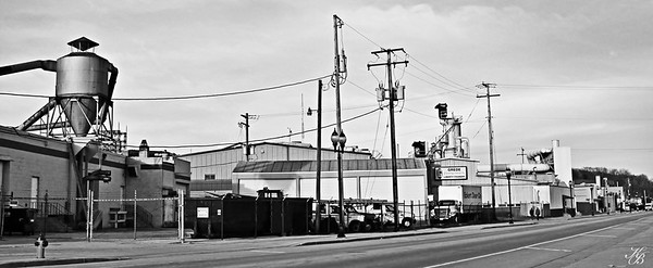 _Factory T (2) BW-Pan