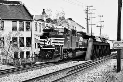 _0 RR Train (1) BW