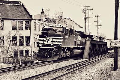 _0 RR Train (1) Vintage