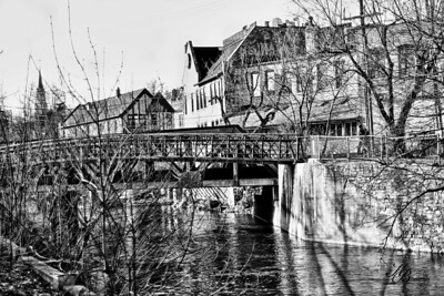 _0 RR Bridge 666  BW