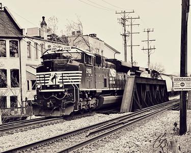 _0 RR Train (1) Vintage16x20