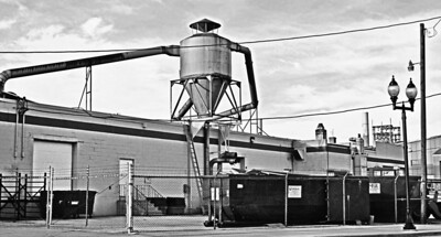 _Factory T (3) BW-Pan