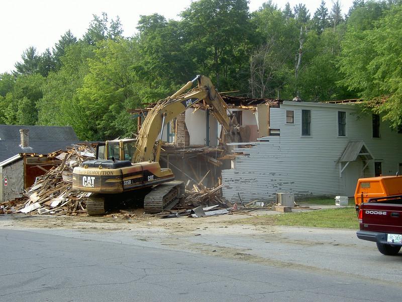 Demolition of Billingsleys Store/Mesa 6/24/10