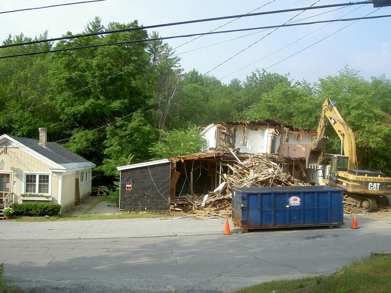 Demolition of Billingsleys Store on 6/24/10
