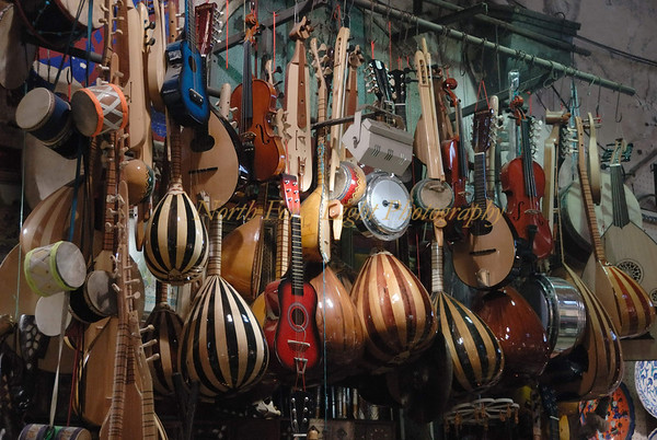 String instruments for sale in Istanbul, Turkey