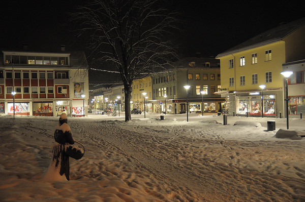 Simons-Margreta heilt åleina på torget...03.01.2011