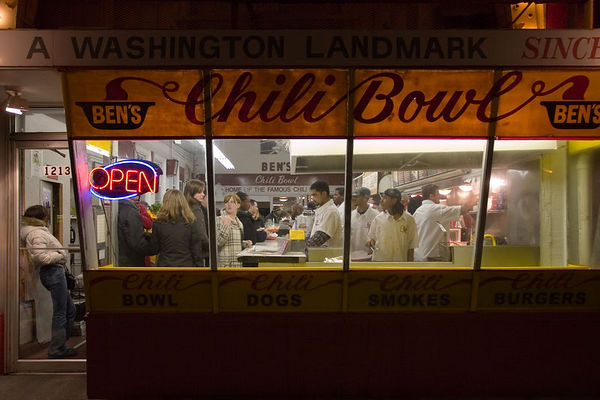 ben's chili bowl, 13th and u st nw, 1:20am 2/19/2006
