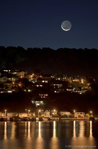 Moonset over Haitaitai