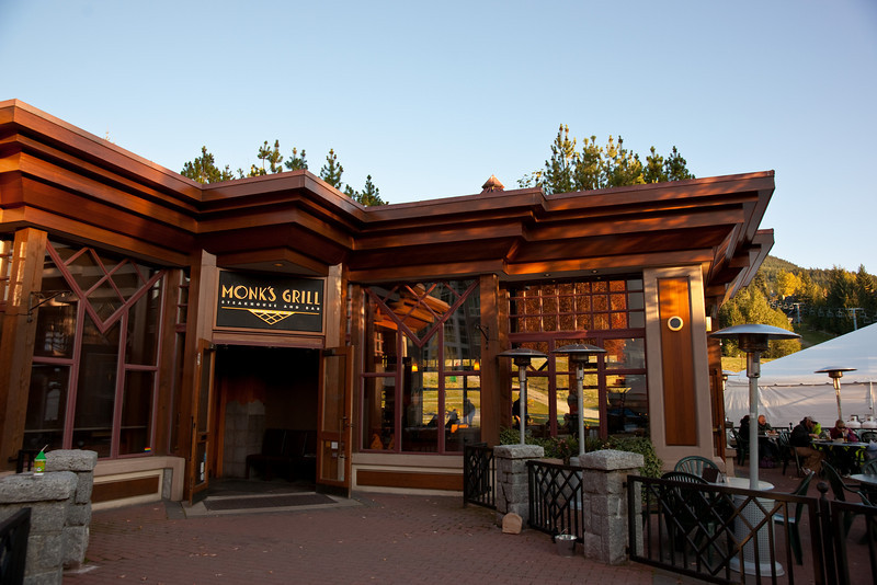 I really liked this restaurant for its Frank Lloyd Wright-style architecture.