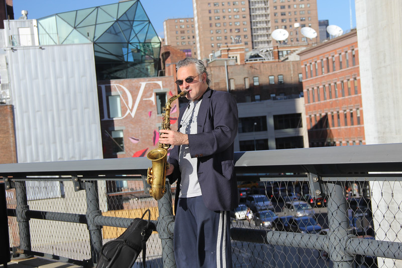Busker on the High Line