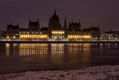 Ice on the Danube in Budapest — Jégzajlás a Dunán Budapesten