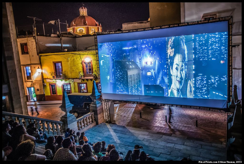 Finally, a showing of Bladerunner on the steps of the University of Guanajuato.