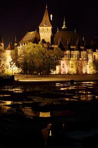 Night Time Landmarks — Nevezetességek éjjel