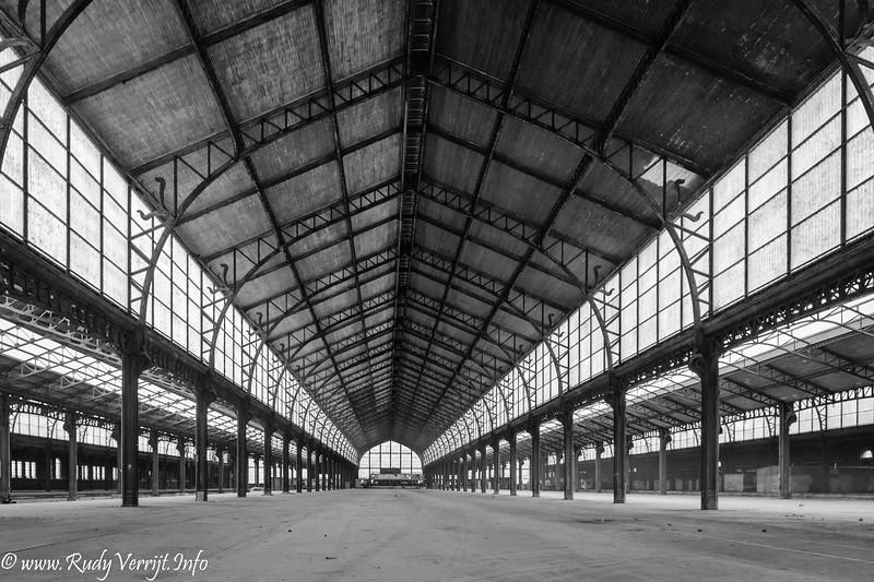 StraatFotografie te Brussel - Kerkhof van Laken - Tour und Taxis