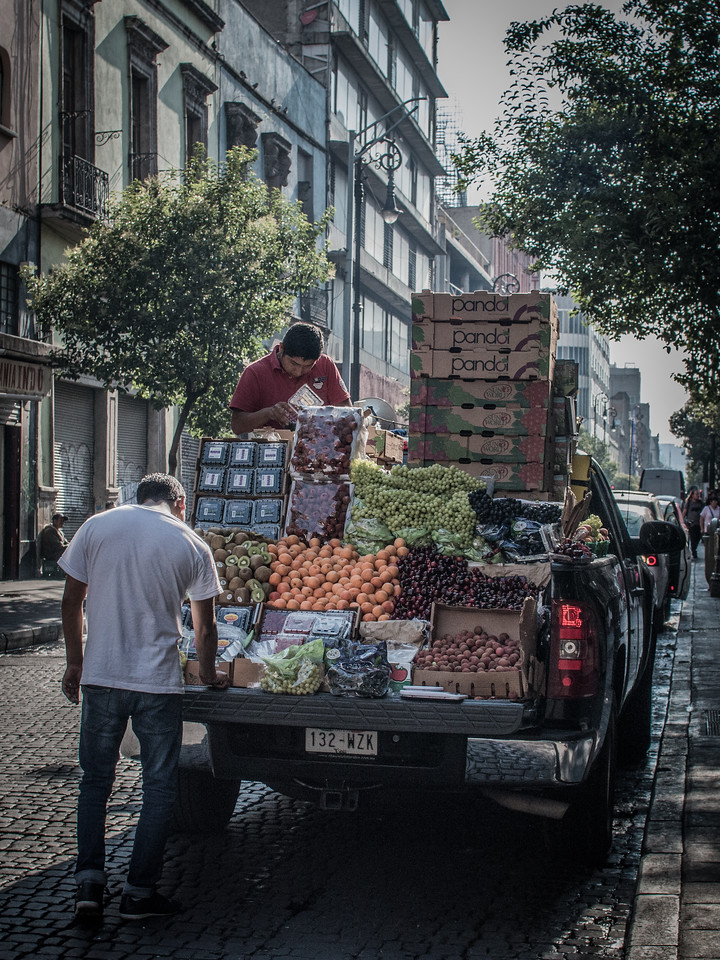 Fruit and vegetable truck