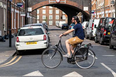 Bicycle #hackneystreets #hackney #bike #meanstreets #marestreet #streetshooter #streetphotography #streetphotographer #picoftheday #eastlondon #hackneymagazine