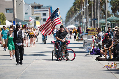 Venice beach performer