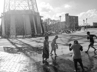 Children at Play. Coney Island. 2014.
