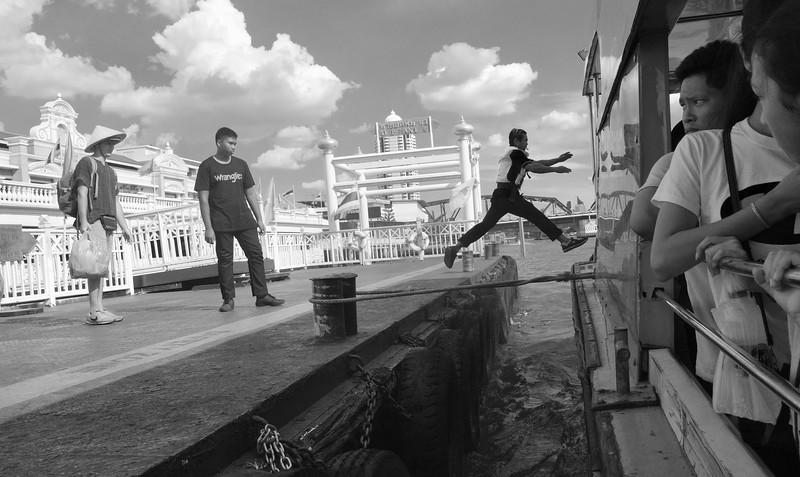 Ferry runner, Bangkok, TH
