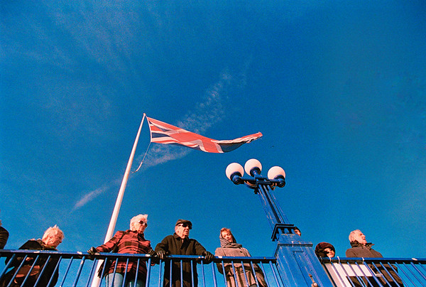 Brexit Blue - Eastbourne seafront, Boxing Day 2017. Lomography 800 in Canon 1N.