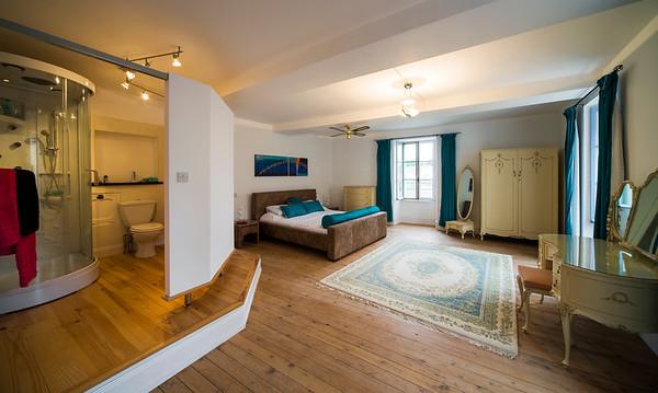 Chambre 1/ Bedroom 1
