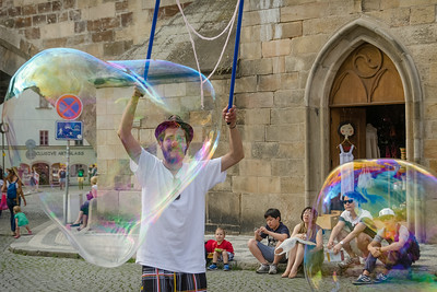 Street bubble blower in Kampa Prague