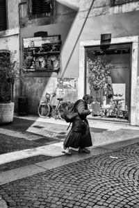 Beggar Woman, Verona