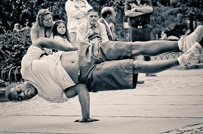 Bboying on the streets of NY. Central Park
