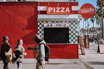 Thumbs up at Joe's Pizza.