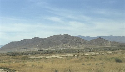 You can see the Willow Springs International Raceway off in the distance as it runs up the mountain.
