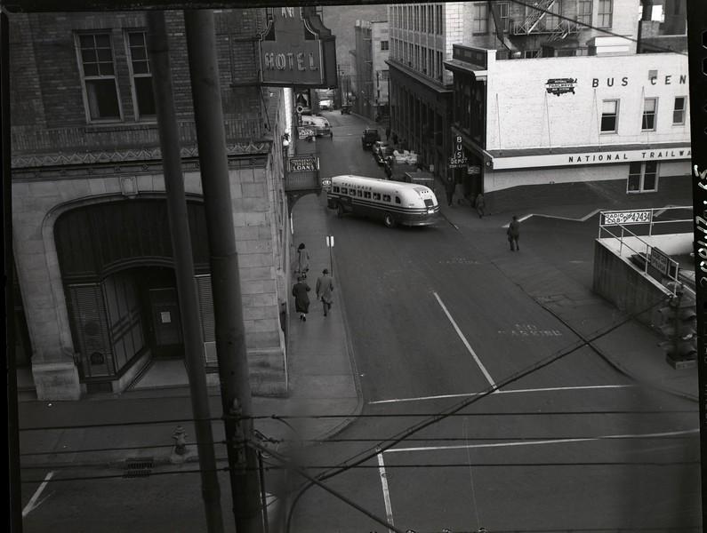 Trailways Bus Depot on Eighth Street below Church Street XI (09614)