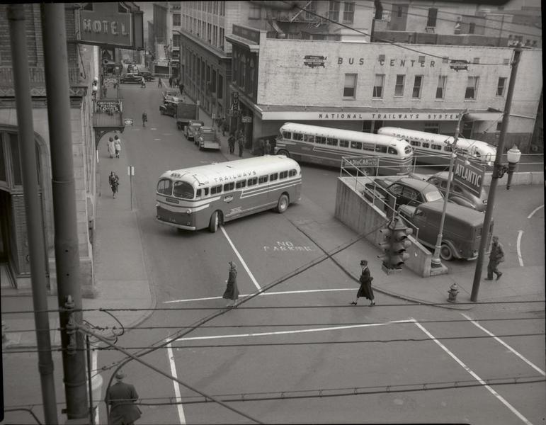 Trailways Bus Depot on Eighth Street below Church Street  XIX (09621)