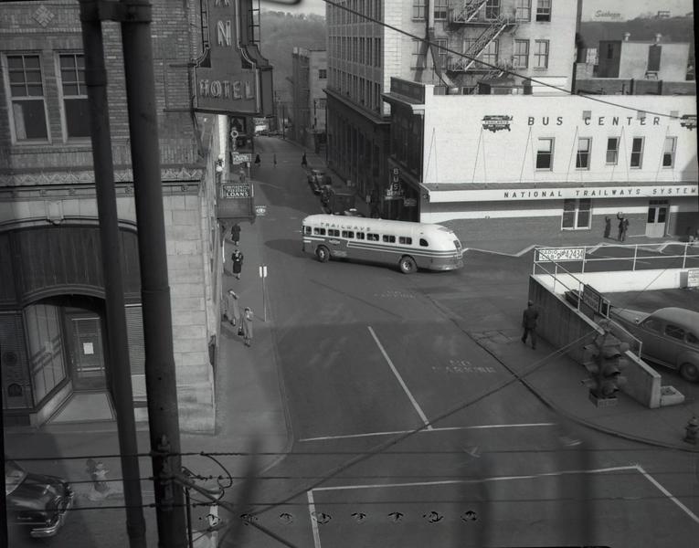 Trailways Bus Depot on Eighth Street below Church Street XVII  (09629)