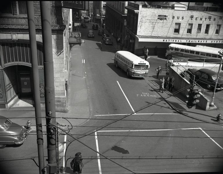 Trailways Bus Depo on Eighth Street below Church Street  V  (09608)