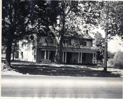 House on Fort Avenue (00588)