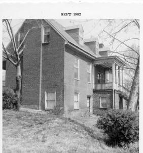 2601 Fort Avenue II (02783)