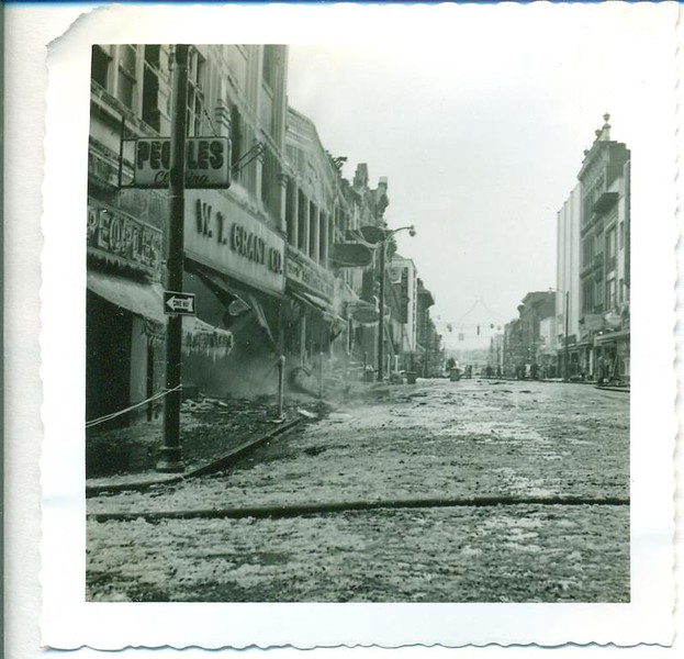 A 1955 Fire on Main Street, W.T. Grant Co. & Peoples (06378)
