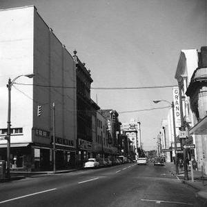 Main Street Facing West III (00584)