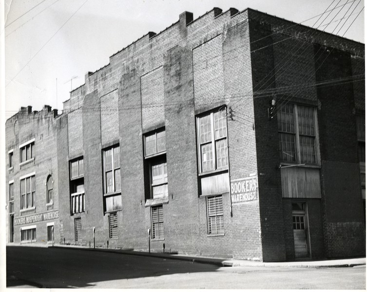 Booker's Independent Warehouse (03071)