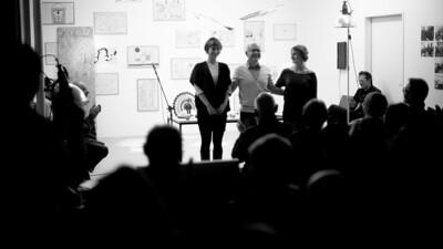 Parcour im Kopf | Eine Textstrecke | Performative Lesung mit Clara Holzheimer, Wanda Jakob, Herbert Woyke im Rahmen der Ausstellung 'Die Kunst des urbanen Handelns. Graz - München' | Streitfeld-Projektraum