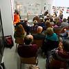 streitfeld-projektraum | 10. Januar 2014 | IN DER REIHE PERFORMATIVE LESUNG: Parcours im Kopf | Eine Textstrecke …über Bewegung und Begegnung | im Rahmen der Ausstellung 'Die Kunst des urbanen Handelns' | Foto tom garrecht