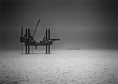 Swift Oil Rig North Sea